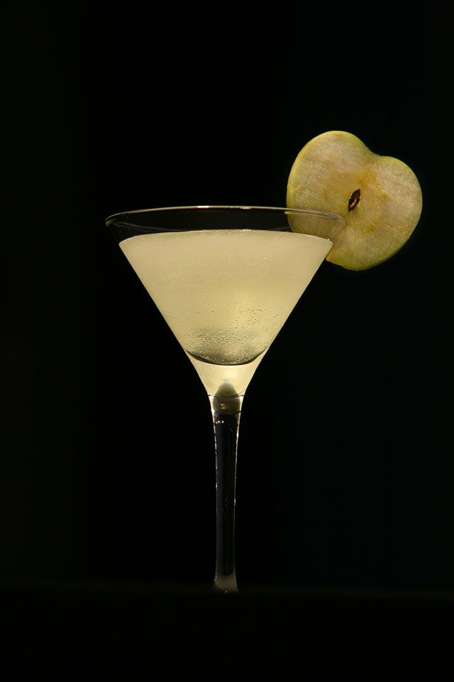 The Sour Green Apple Martini/ scienceofdrink.com.