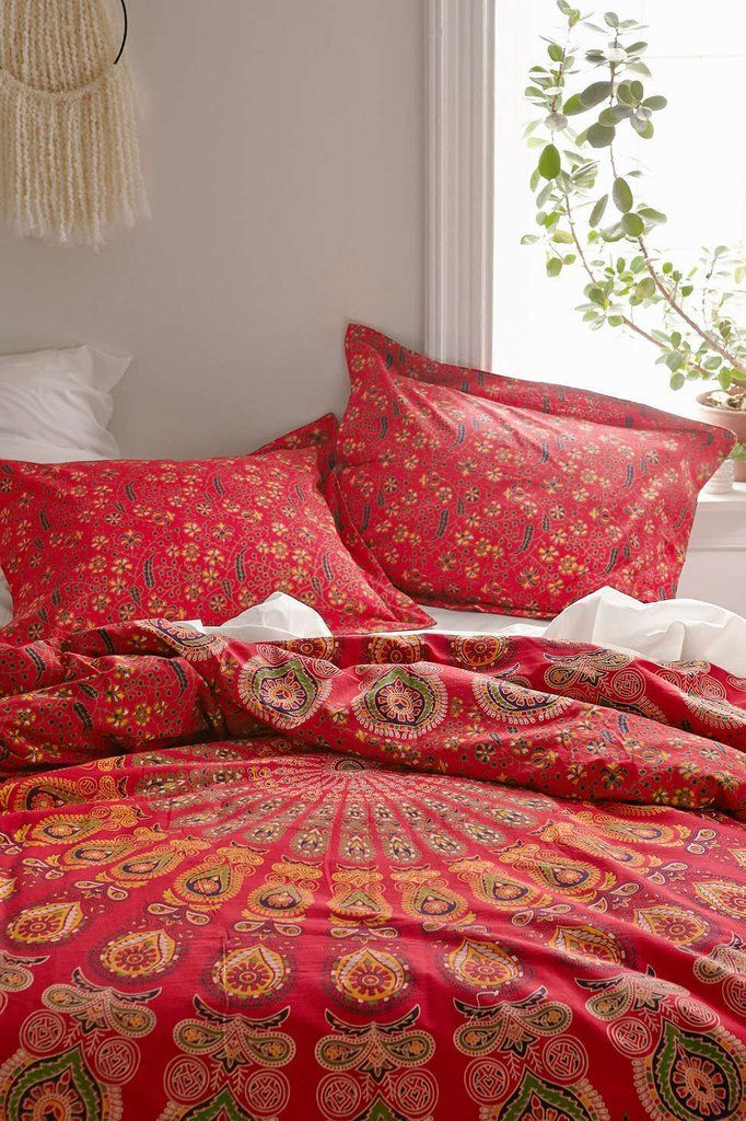 bohemian red queen mandala bed cover with matching pillow cases