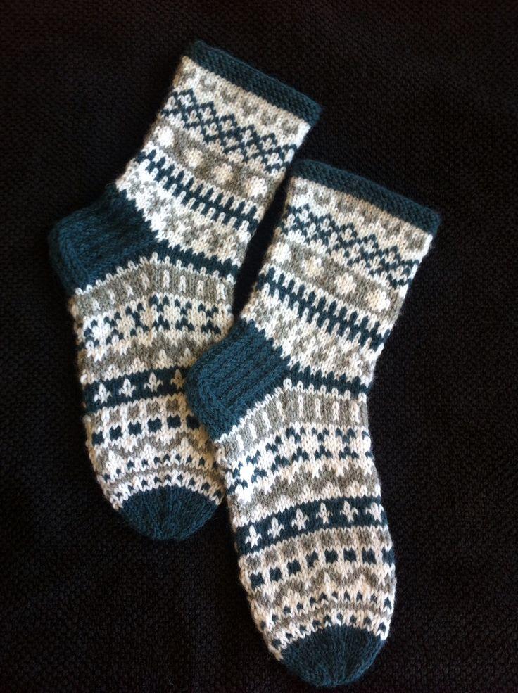 Knitted socks | Novita 7 veljestä