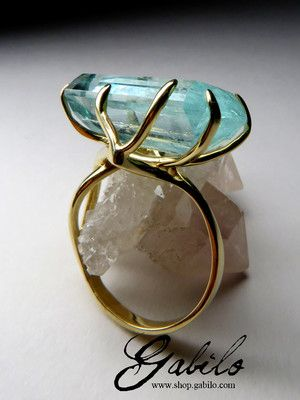 Золотое кольцо с аквамарином багет