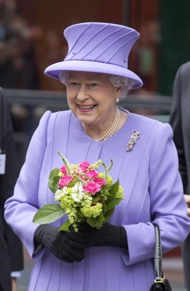 Queen Elizabeth, February 27, 2013 | The Royal Hats Blog