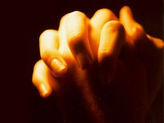 Αόρατη γωνιά: Πώς παντρεύτηκαν... Κάνει θαύματα η προσευχή!