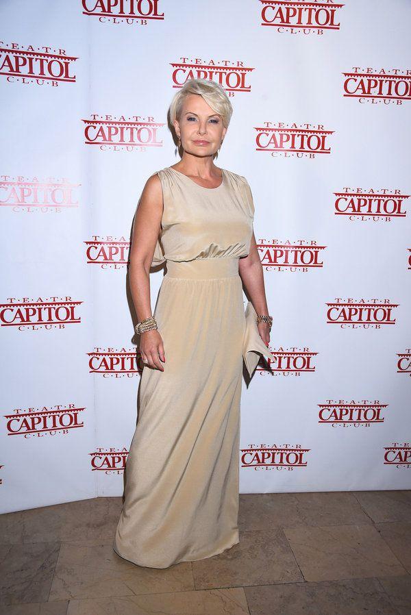 Joanna Racewicz w cielistej sukience