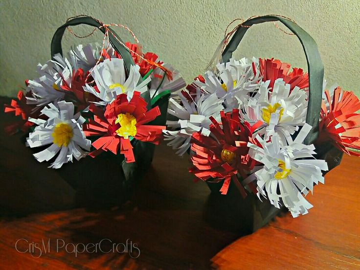 Quilling flowers in origami basket, hand made. Pentru 1martie si 8martie.