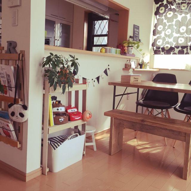 mikiさんの、本棚DIY,すのこ,おもちゃ収納,パンダ♡,100均,こどもと暮らす。,DIY,観葉植物,収納アイデア,リビング,のお部屋写真