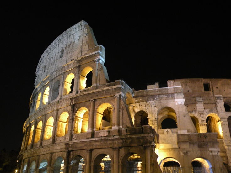 Colosseum @ night.: Colosseum Rom, Night Photo, Suitcase Packs, Favorite Places, Italy 2011, Places I D, Outdoor Wonderland