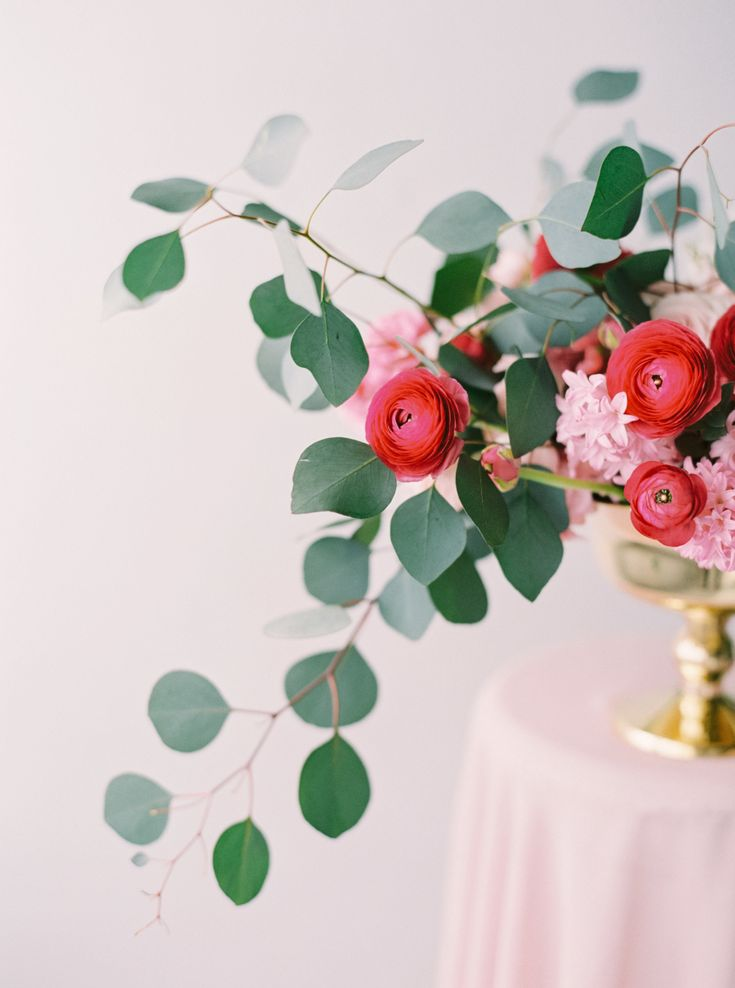 Floral portraits: http://www.stylemepretty.com/little-black-book-blog/2015/09/11/must-see-moments-from-our-little-black-book-members-3/