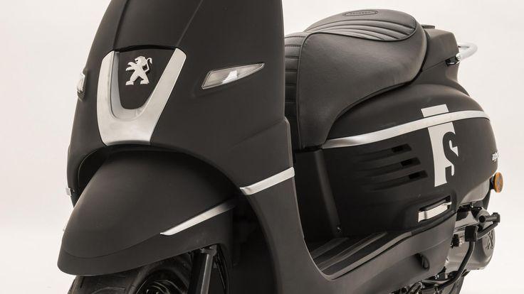 Il Peugeot Django S abbina un colore scuro opaco alle cromature