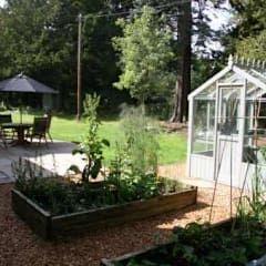 Jardins modernos por Colinton Gardening Services - garden landscaping for Edinburgh