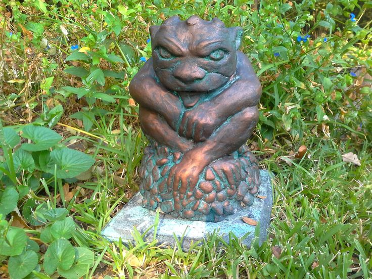 Garden gargoyle cement statue hand finished in bronze with for Garden statues portland oregon