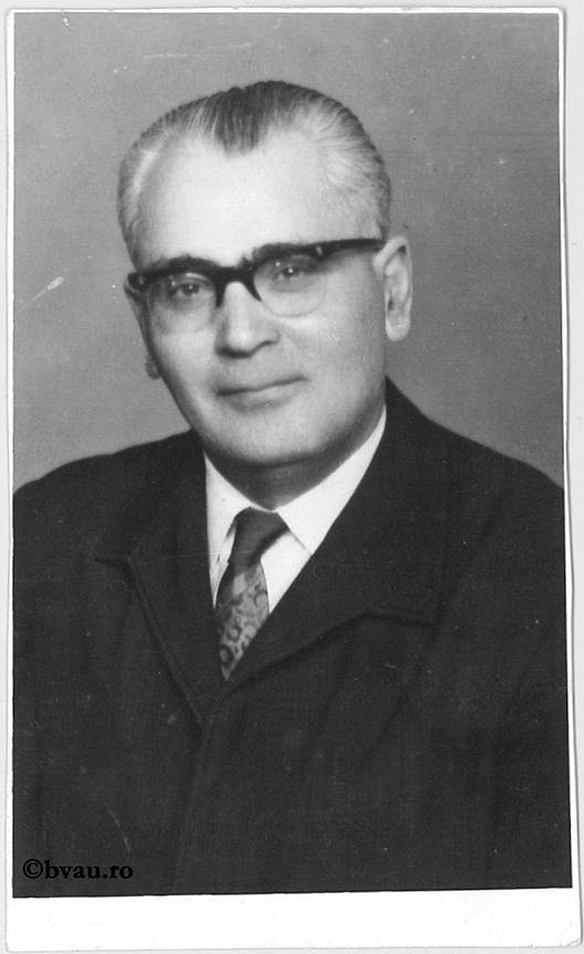 """Teodor Al. Munteanu, Bucureşti, 1984. Imagine din colecțiile Bibliotecii """"V.A. Urechia"""" Galați."""