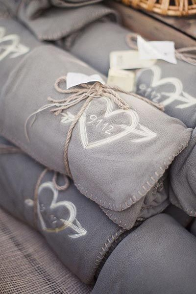 Blanket favors for a fall or winter wedding