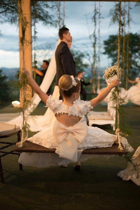 Um lindo casamento real, que esperou bons anos até acontecer! Vem ver essa história de amor