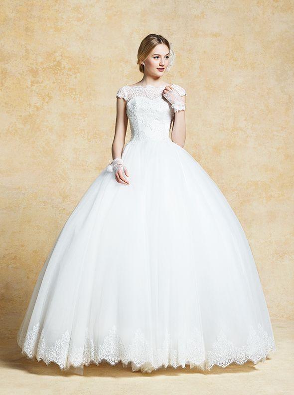 アクア・グラツィエがセレクトした、LUISA(ルイザ)のウェディングドレス、LU5136をご紹介いたします。