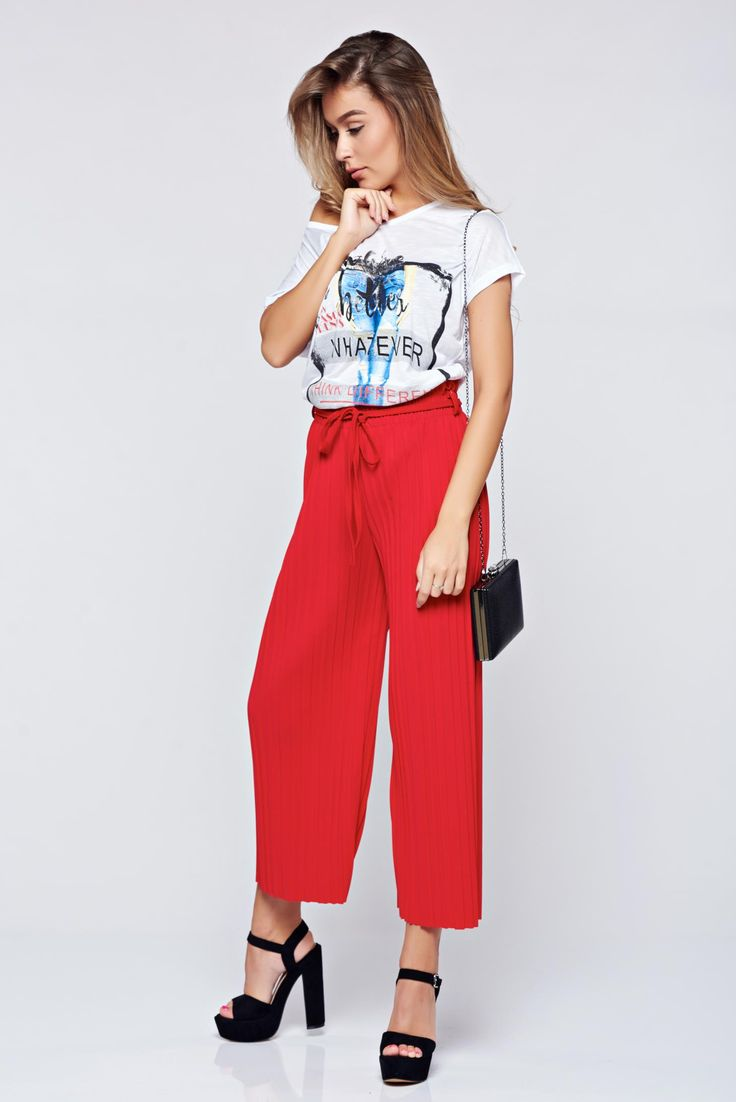 Comanda online, Pantaloni rosii cu croi larg cu elastic in talie cu pliuri de material. Articole masurate, calitate garantata!