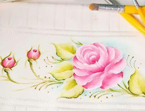 Tenha acesso a mais de 60 aulas de pintura em tecido através do nosso curso online de pintura.