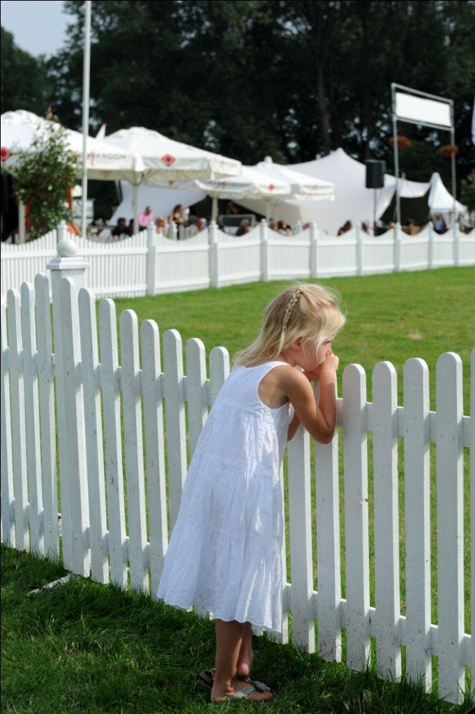 Meisje aan de parade op de Landgoedfair