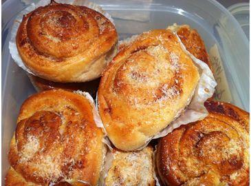 organic-cinnamon-scrolls-with-coconut-butter center-resized.JPG