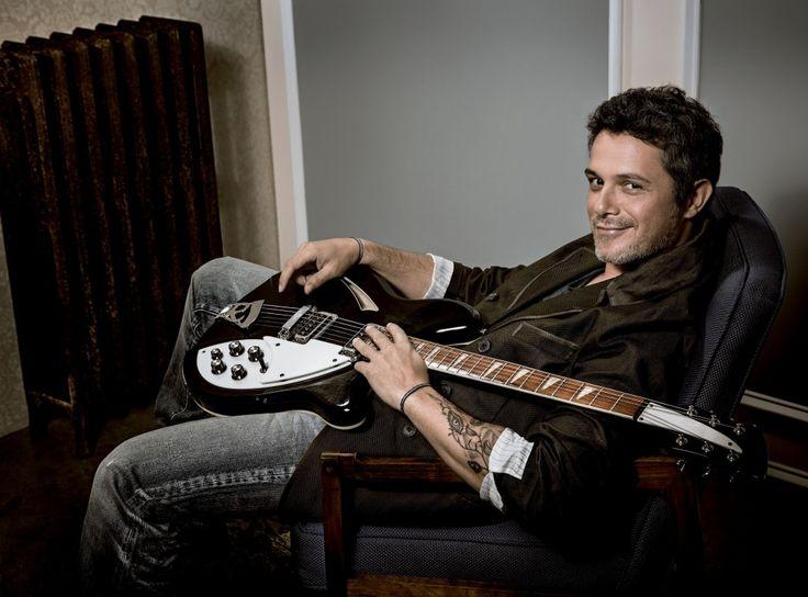 Hoylunes 2 de Marzohas podido escucharen Cadena Dial por vez primera el nuevo tema de Alejandro Sanz. ¡A las 8