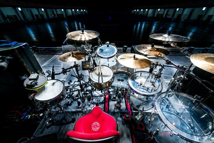 """Some shoots from Ben Johnston´s Biffy Clyro tour set up.  Ben is using 14"""" HHX Legacy Hats, 17, 18, 19"""" HHX Plosion Crashes, 21"""" HHX Raw Bell Dry Ride and 19"""" Paragon Chinese.  More infos on tour dates and their new album """"Ellipsis"""" here:  http://ellipsis.biffyclyro.com/ Photo Credits: Harald Peter"""