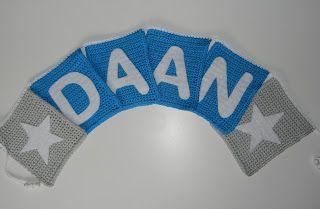 Sonja'sHaakboet http://www.sonjashaakboet.nl/a-43411253/geboorte-slinger-met-naam/geboorteslinger-met-naam/