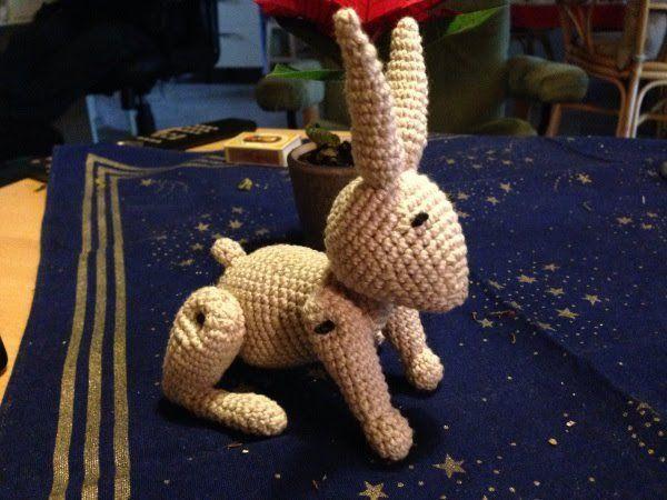 Her er min hæklede udgave af kaninen inspireret af Kay Bojesen. :-) Til alle jer der godt kan bruge en gør-det-selv julegave :-) Glædelig jul og godt nytår fra mig :-) —–> Kanin OPD…