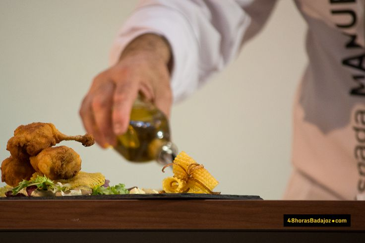 Nuestro chef Manuel Espada participó junto a @JaviGarcia68  en la I Edición de Gastrex en El Faro http://kcy.me/1ake4 #gastrex