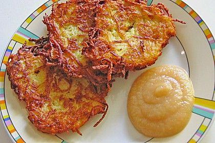 Großmutters Reibekuchen (Rezept mit Bild) | Chefkoch.de (german Potato Pancakes)