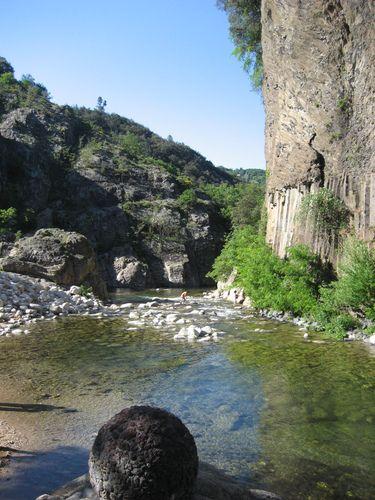Coulées basaltiques sur le Lignon, Jaujac, Ardèche