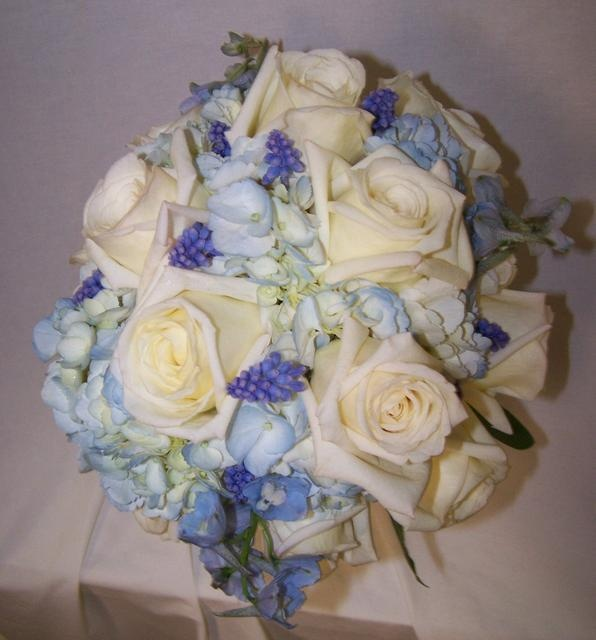 Purple Wedding Altar Flowers: 17 Best Images About Blue Wedding Flowers On Pinterest