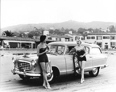 1959 Rambler Wagon w/ Swimsuit Models