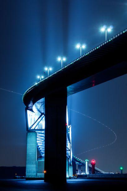 Shine On You Crazy Diamond   乗り物・交通 > 橋・トンネルの写真   GANREF