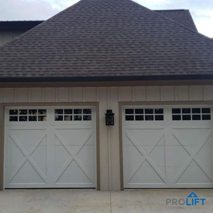Why Homeowners Choose Carriage House Garage Doors In 2021 Garage Doors Garage Door Styles Carriage House Garage Doors