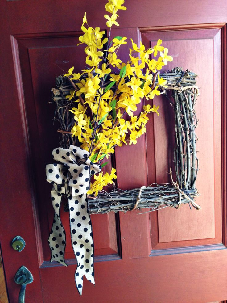 Sweeter hours spring wreath