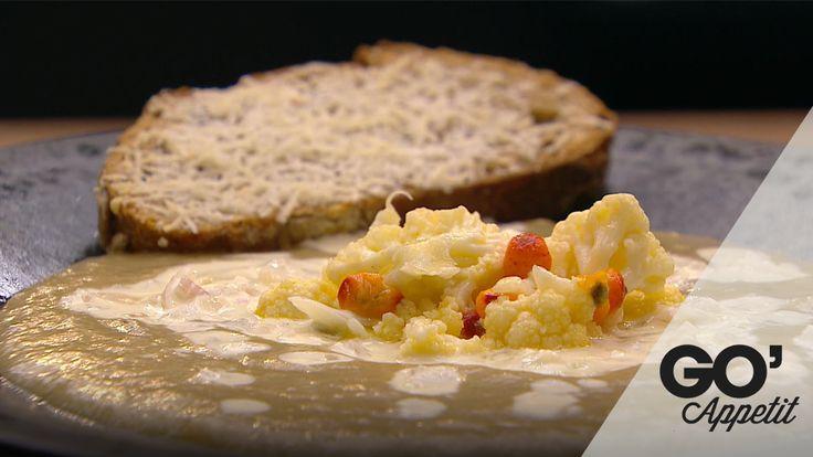 Jordskokkesuppe med parmesancreme og ostebrød