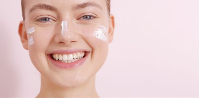Dr. Jetske Ultee   Productlijn Uncover Skincare   Zonnebrandcrème #uncoverskincare #huidverzorging #skintips