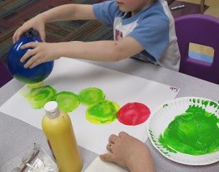 Mrs. Karen's Preschool Ideas: Insect Week!  Balloon print caterpillar