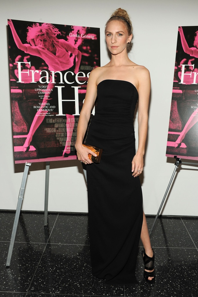 """""""Frances Ha"""" NY Premiere at MOMA - Actress Mickey Sumner wears the Azzaro dress """"Olegouchka"""" from the Fall / Winter 2013-2014 collection"""