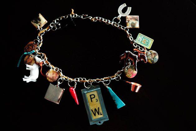 custom charm bracelets: Crafts Ideas, Charm Bracelets, Charms Necklaces, Cute Ideas, Pioneer Woman, Vintage Charms, Charms Bracelets, Custom Vintage, Christmas Ideas