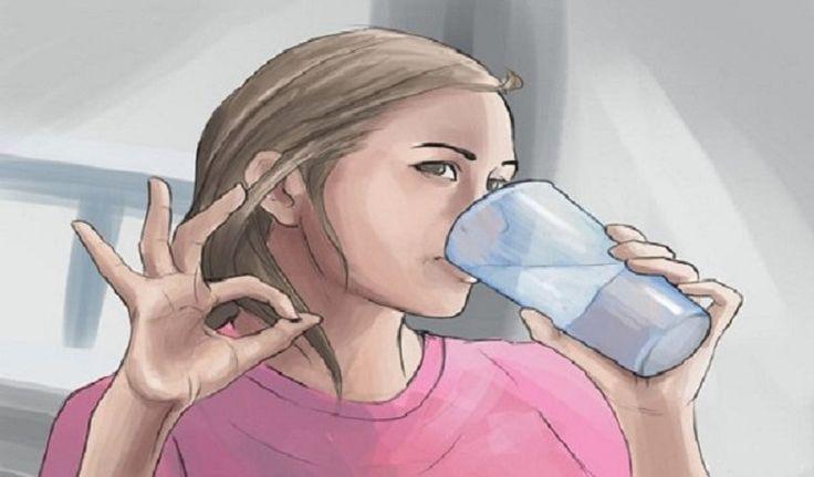 V dnešním článku vám ukážeme, jak si připravíte domácí přírodní nápoj, který nejen podpoří váš metabolismus a vyčistí tělo od toxinů, ale také vám pomůže shodit tuk z problémových míst jako jsou břicho, pas či stehna.