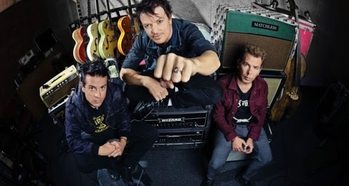 Chris Cheney from The Living End rocks a MDTdesign custom made ring