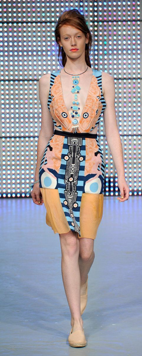Holly Fulton Spring/Summer 2013 Scottish designer Holly Fulton's label personifies modern relaxed luxury. Fulton is extremely attentive to detail in her complex graphic embellishment and print.  http://www.hollyfulton.com/collection/ss13