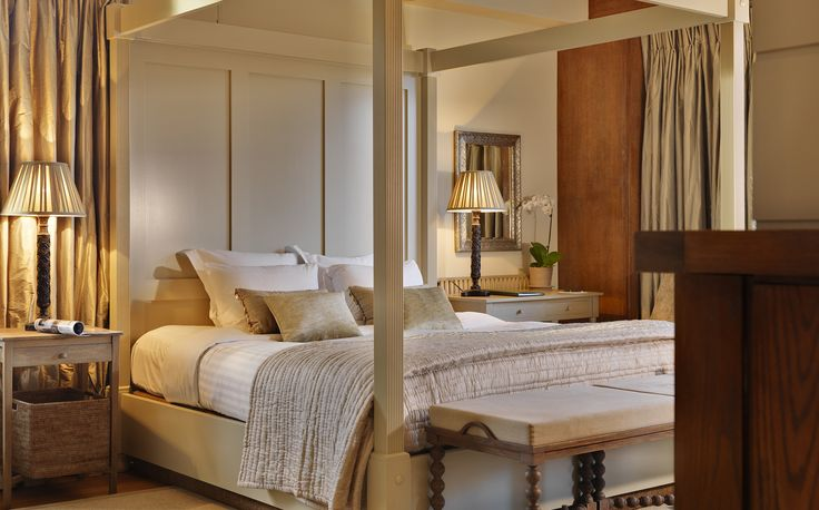 Four posted bed in the Presidential Suite