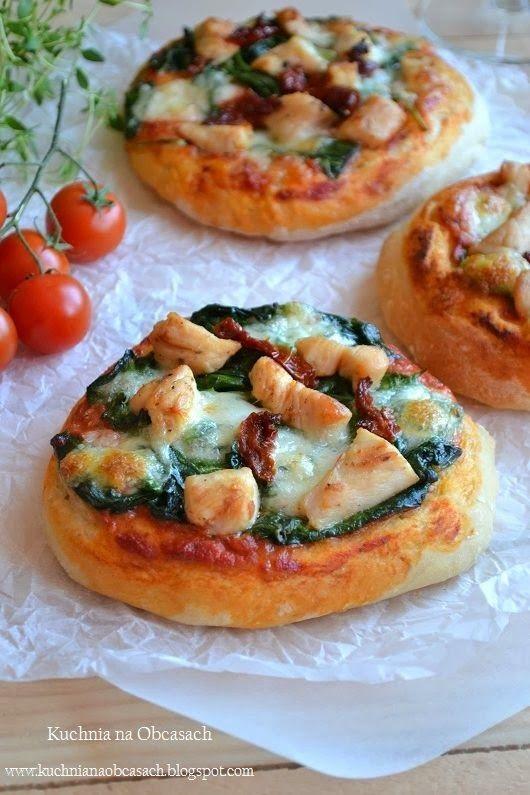 ... , suszonymi pomidorami i mozzarellą | Yum - pizza | Pinterest