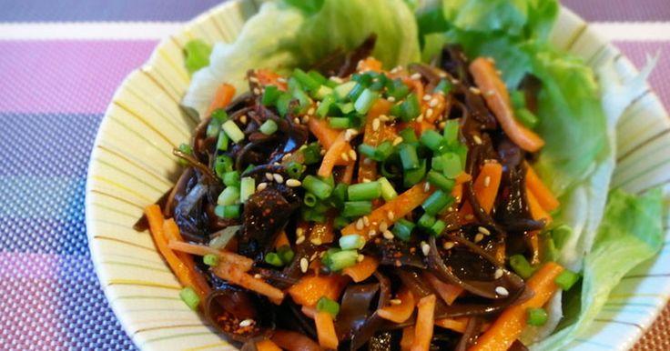 100レポ感謝★食物繊維の宝庫きくらげをタップリ食べられるサラダです。コリコリ食感とピリ辛なごま油香る中華ダレが合います