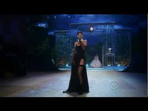 Rihanna - Diamonds Live Victoria's Secret Fashion Show 2012 1080p HD - YouTube