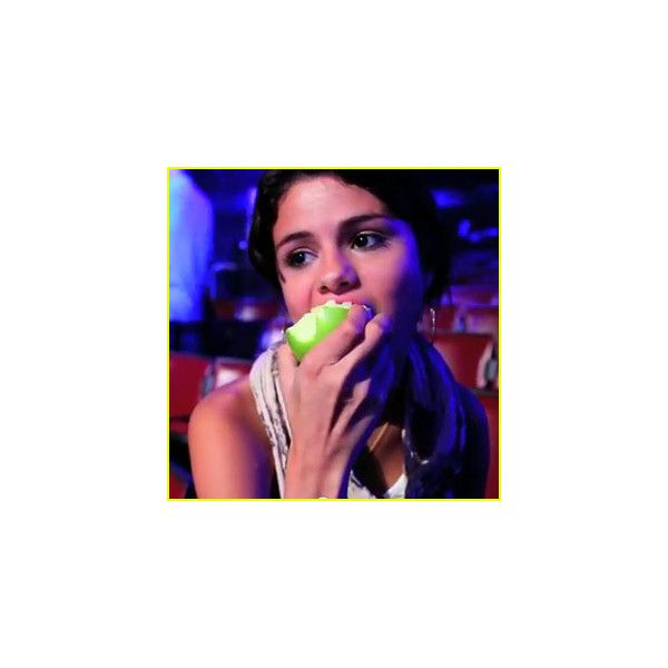 Just Jared Jr. ❤ liked on Polyvore featuring selena gomez