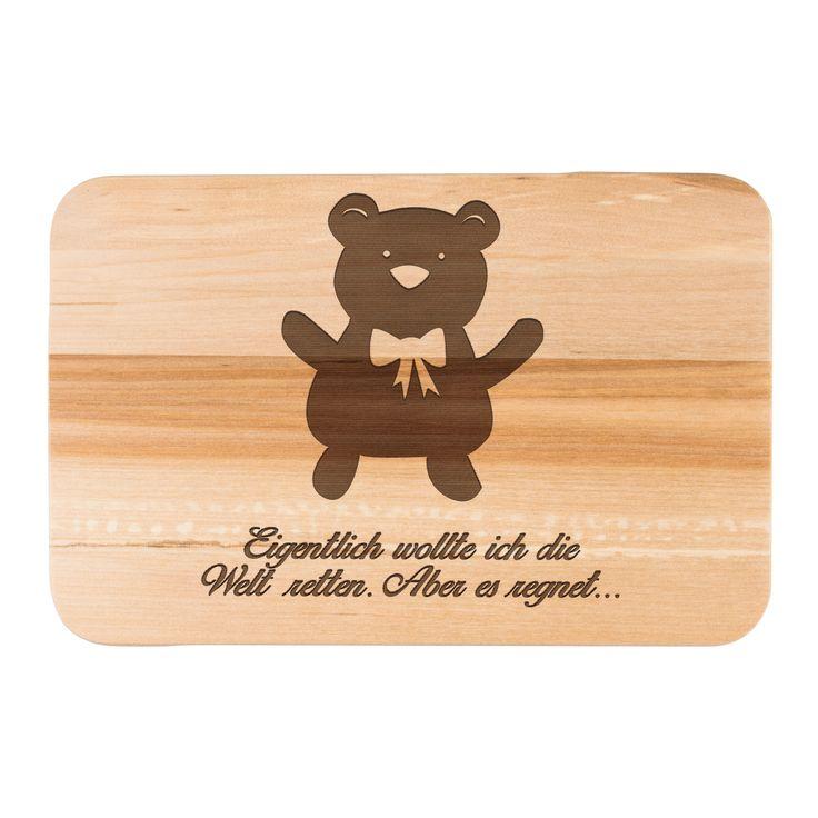 Frühstücksbrett Teddybär aus Birkenholz  natur - Das Original von Mr. & Mrs. Panda.  Ein wunderschönes Holz Frühstücksbrett von Mr.&Mrs. Panda aus edler und naturbelassener Birke in den Maßen 22 cm x 14 cm.    Über unser Motiv Teddybär  Teddybären oder Knuddelbären sind heute nicht mehr nur bei Kindern beliebt. In jedem Kinderzimmer ist ein süßer flauschiger Bär zu finden. Der Teddy begleitet schon Generationen von Menschen durch ihre Kindheit. Auch Erwachsene sammeln alles rund um den süßen…
