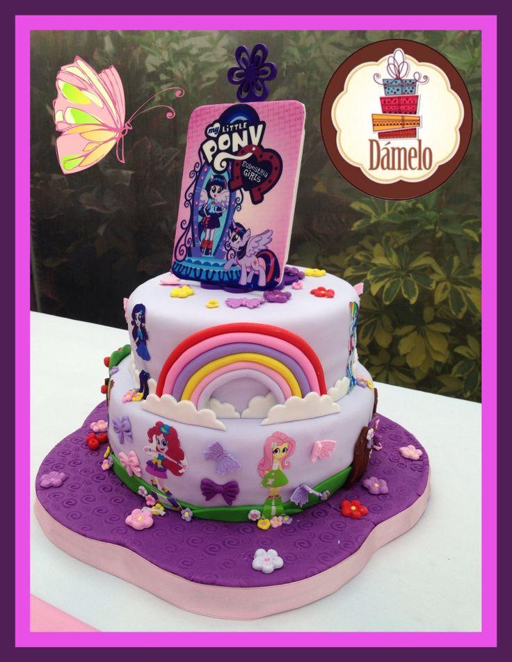 Torta de 2 pisos, cake de vainilla con chips de chocolate rellena con manjar con motivo de Equestria Girls!