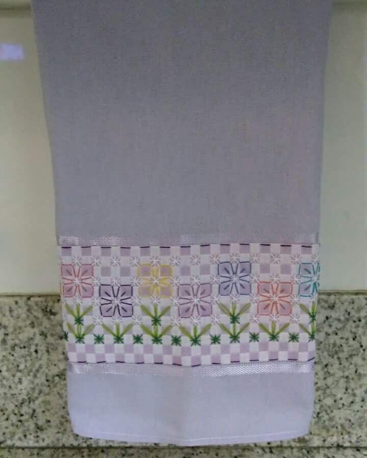 Bordado em tecido xadrez - Pano de copa/Vídeo Aula (Detalhes sobre o bordado... Visitar)